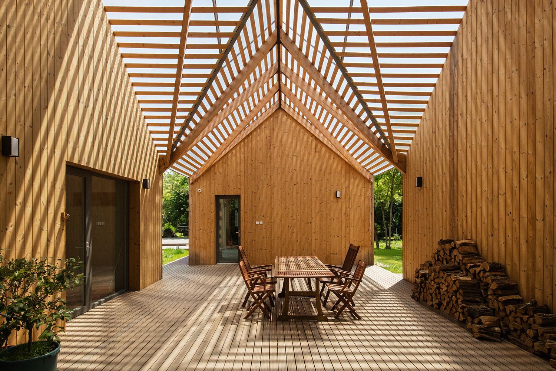 vanchoob-woodenhouse-a1